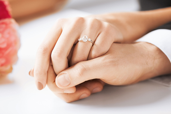 Trend im Hochzeitsschmuck: Wie finde ich den passenden Silberschmuck zur perfekten Hochzeit?